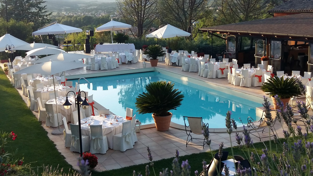piscina-esterna-banchetti-matrimonio