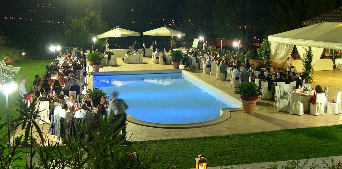 piscina-ricevimento-notturno