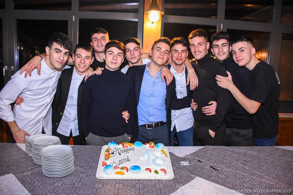diciottesimo-spoleto-momento-torta-compleanno