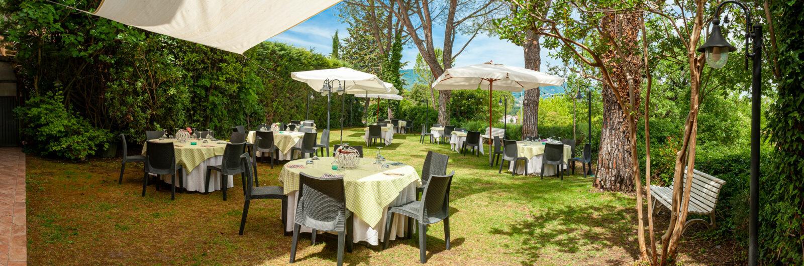 la-fattoria-ristorante-pizzeria-albergo-giardino-panoramica-4