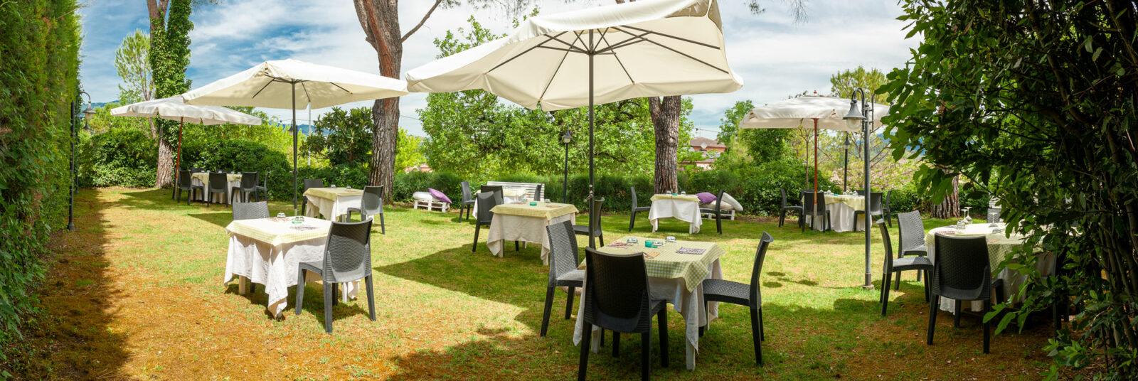 la-fattoria-ristorante-pizzeria-albergo-giardino-panoramica