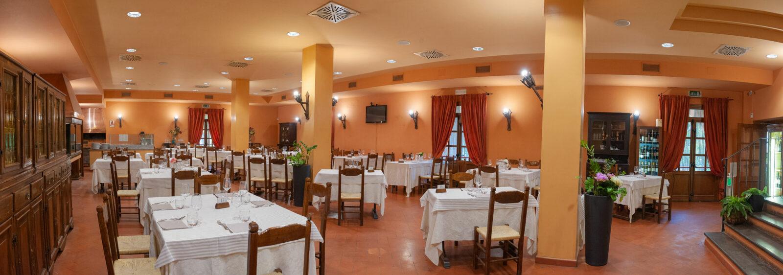 la-fattoria-ristorante-pizzeria-albergo-sala-da-pranzo-piano-terra-3