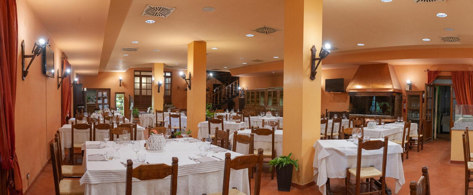 la-fattoria-ristorante-pizzeria-albergo-sala-da-pranzo-piano-terra