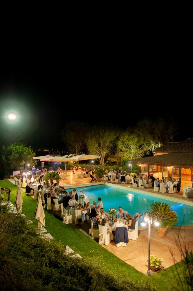 la-fattoria-spoleto-ristorante-pizzeria-albergo-piscina-esterna-evento-matrimonio
