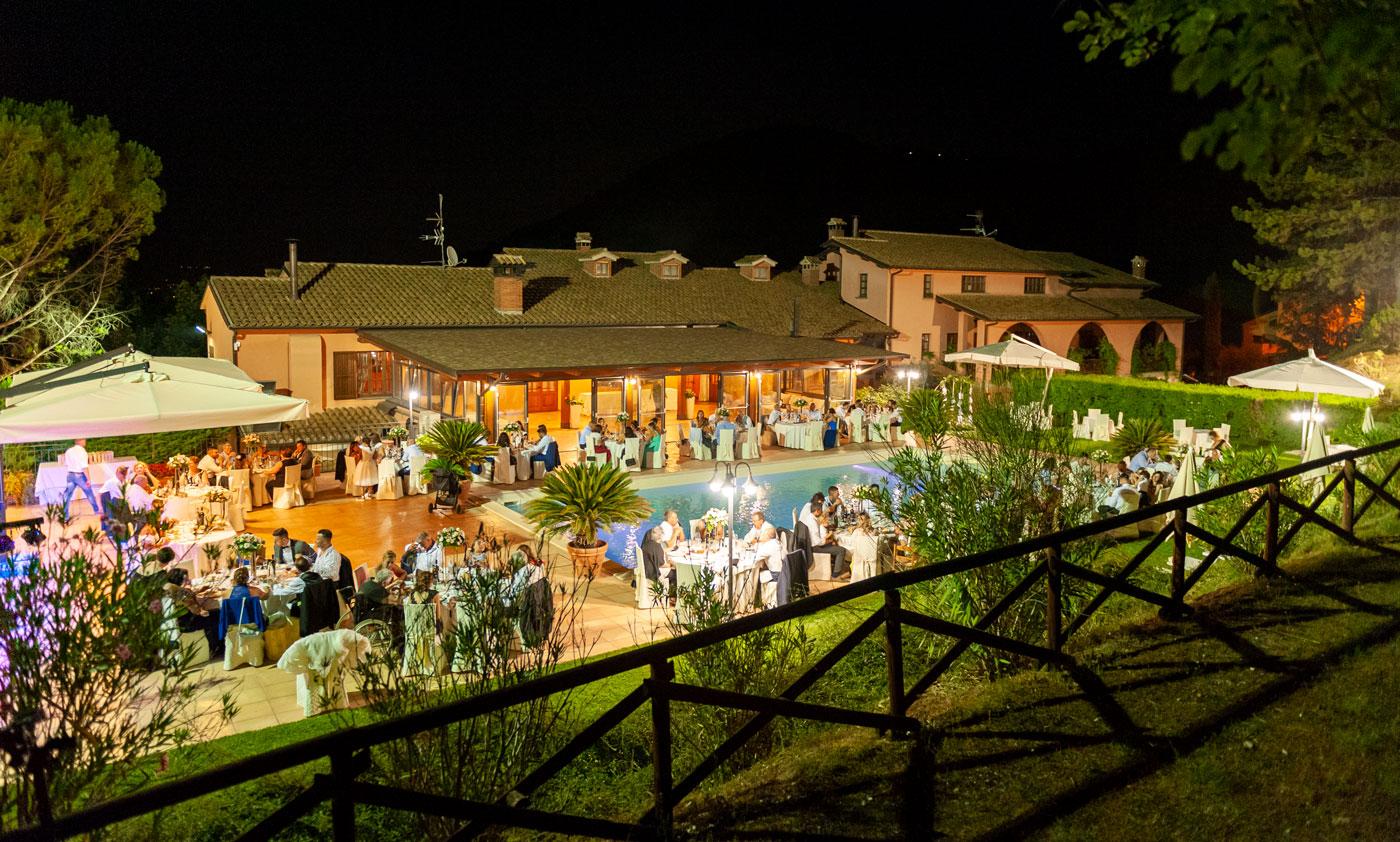 la-fattoria-spoleto-ristorante-pizzeria-albergo-piscina-esterna-evento-matrimonio-spoleto-2